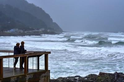 ocean-waves-storm